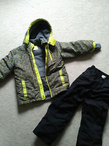 Boys snowsuit from the Children's Place size 7/8