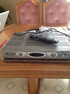 HD Motorola Shaw cable receiver and remote