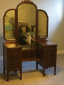 ANTIQUE MIRRORED VANITY/ DRESSING TABLE