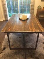 Reclaimed wood / Barnwood furniture