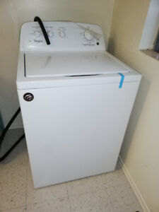 Whirlpool Top Load Washing machine 4.4 cu ft. Excellent conditio