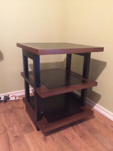 End table Pier 1
