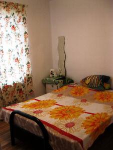 URGENT! Belle chambre - meublé, chaufé juste pour 350$