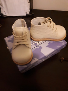 Handmade Josmo Walker baby boots -- size 2