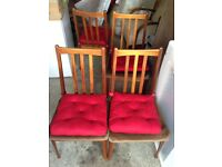 Extendable Dining Table & 4 Chairs.