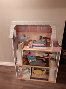 Doll House with Accessories. Excellent Condition.