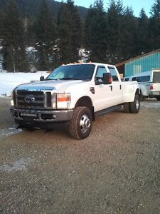 2009 Ford F-350 Crewcab Dually Pickup Truck