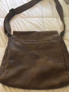Roots Leather Tribe bag