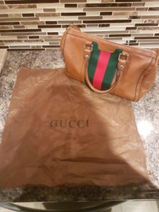 SOMEONE BUY THIS   BEST OFFER!Gucci handbag with shoulder strap