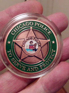 LARGE 38mm CHICAGO POLICE TO SERVE AND PROTECT COIN.