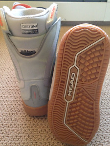 BRAND NEW Women's Size 6 Snowboard Boots