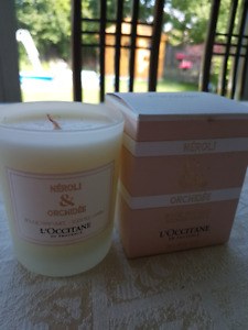2 L'Occitane en Provence Scented Candles