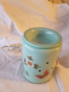 Madame butterfly mint green candle Scentsy warmer