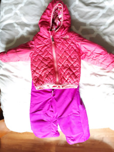 CARSEAT SAFE 2T Columbia and Northface winter jacket/snowpants