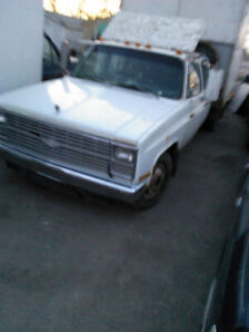 chev truck 3500 1ton diesel for parts whole