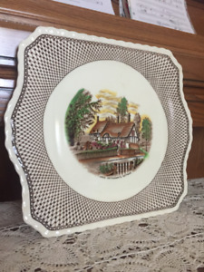 Anne Hathaway's Cottage (Shakespeare Land) collectible plate