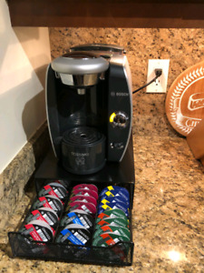 Tassimo Machine with drawer and t-discs