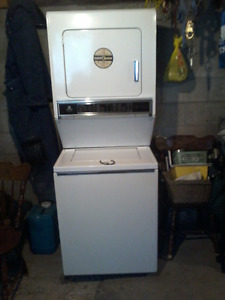 Maytag heavy duty washer & dryer combo works great just upgraded