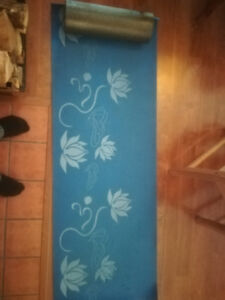 [Moving sale!] Yoga mat and foam roller