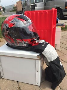 Helmet and pants for kids