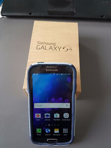 Samsung Galaxy S4 - Mint condition with Otter Box