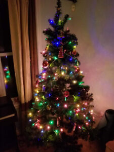 6.5 FT Christmas Tree, with lights and decorations!