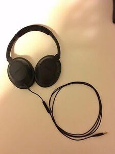Bose SoundTrue II around-ear headphones with mic - Black