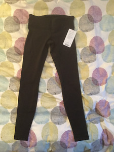 Lululemon WunderUnders III Size 8 New with Tags