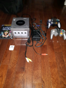 Luigi's Mansion GameCube Bundle
