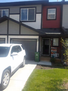 Beautiful townhouse for rent in Jumping Pound