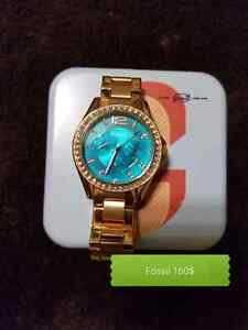 Fossil watch for women AUTHENTIQUE with box and booklet