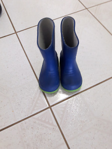Rain boots toddler size 5