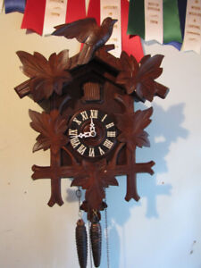 Larger Cuckoo clock in mint condition, Serviced!