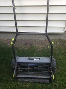Tondeuse manuelle / manual land mower