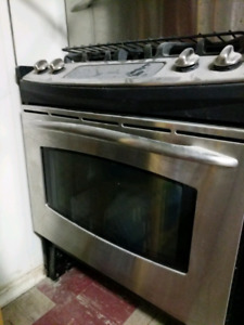 GE Dual Fuel Stove