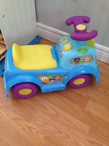 Bubble Guppies Ride-On