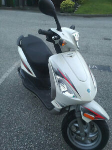 2012 Piaggio Fly 50 4T 4V 2,800 Kms