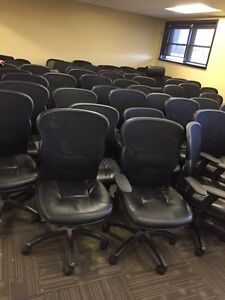 OFFICE CHAIRS IN GOOD CONDITION London Ontario image 2