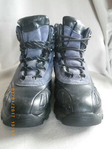 Cougar snow boots - winter-lined, lace-up, size 8.5