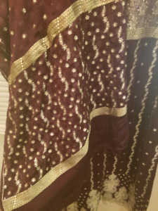 Pakistani Shalwar Kameez -dress