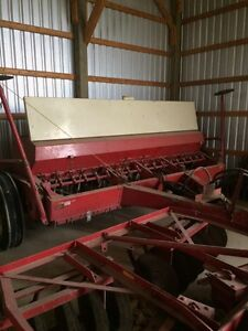 Case 510 seed drill