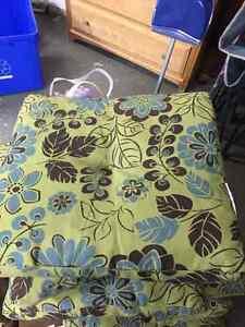 6 Chair cushions
