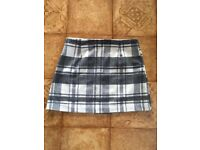 Grey chequered skirt size 10 fab condition!