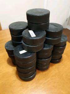 39 rondelles d'hockey