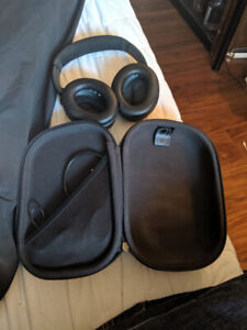 BOSE QUITE COMFORT 3 MATTE BLACK  $300 USED ONCE PRICE IS FINAL