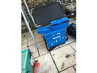 Blue Shakespeare Seat Box