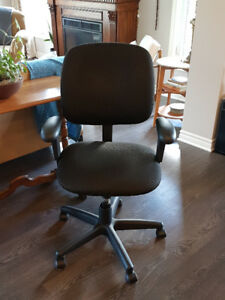 Office Chair - Like New