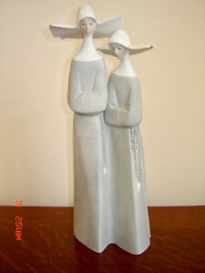 Vintage Lladro Figurine-Two Nuns-Bisque Grey Mat Finish-1970s