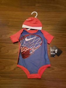 BRAND NEW WITH TAGS 6-9Mths NIKE ONSIE