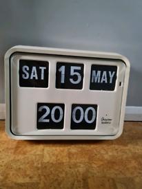Grayson Quartz wall clock